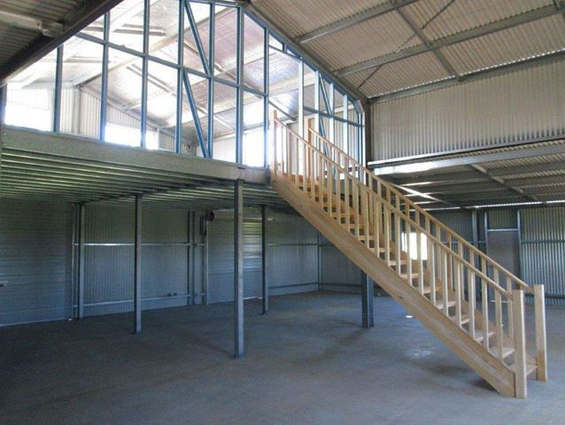 American Barn   American Barn With Mezzanine Floor And Staircase Opt